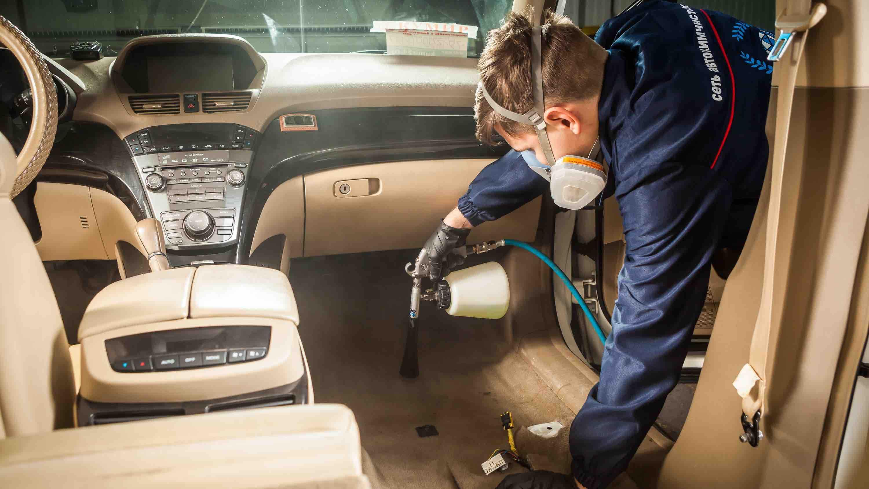 Как профессионалы проводят химчистку салона авто. Советы и инструкции